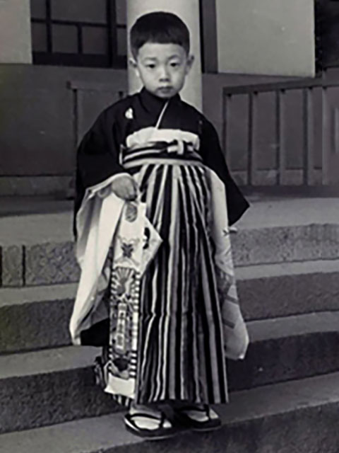 七五三のとき、湊川神社(楠公さん)で。楠公さんには、よく遊びに行きました